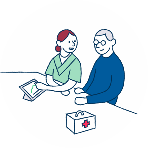Borger og sygerplejerske kigger sammen på tablet med data